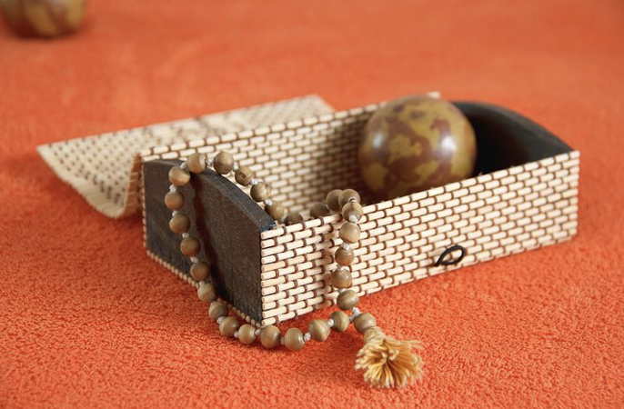 how to meditate with mala beads